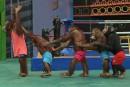 Combats de boxe entre singes et balades controversées à dos d'éléphants