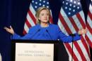 Les courriels d'Hillary Clinton continuent de plomber sa candidature