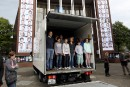 Invités à monter dans un camion pour revivre la situation des réfugiés