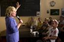 Clinton confiante de pouvoir se défendre contre les républicains
