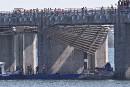 Un ouvrier tombe à l'eau sous l'estacade du pont Champlain