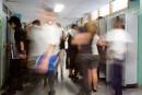 Décrochage: Québec change la donne, l'opposition fulmine