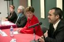 Débat: les candidats attaquent le conservateur Labrador