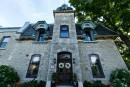 Les maisons du Bas-Canada: six générations de Paquin