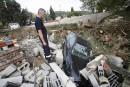Côte d'Azur: grand nettoyage après les inondations meurtrières