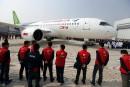 La Chine dévoile le C919, son premier avion moyen-courrier