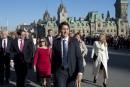 Le cabinet paritaire de Trudeau suscite l'intérêt dans le monde