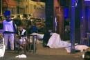 Une série d'attentats à la ceinture explosive et à l'arme... | 13 novembre 2015