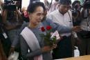 Birmanie: Suu Kyi entre au Parlement après sa victoire historique