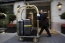 Paris: annulations dans les hôtels et restaurants