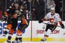 Les Ducks battent encore les Flames à domicile