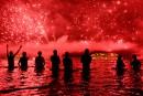 Le monde fête 2016, malgré les menaces d'attentat