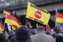 «Merkel dehors!» clame l'extrême droite allemande
