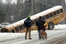 Poussée devant un autobus de hockeyeurs