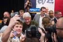 Bill Clinton replonge dans l'Iowa pour défendre sa femme
