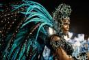 Virus Zika: paillettes et insecticide au carnaval de Rio