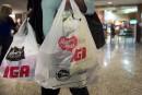 Interdiction des sacs de plastique à Brossard: l'industrie crie à l'abus