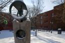 La sculpture Hommage à Claude Jutra vandalisée
