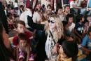 Madonna visite des refuges pour enfants