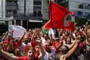 Brésil: Lula appelle ses partisans à le soutenir dans les rues