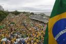 Rousseff dos au mur après les énormes manifestations de dimanche