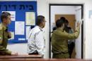 Le soldat israélien accusé d'avoir achevé un Palestinien blessé aux arrêts sur sa base