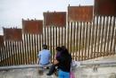 Donald Trump explique comment il forcerait le Mexique à payer le mur