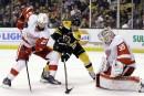 Les Bruins dominent les Wings 5-2 et restent en vie