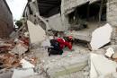 Séisme en Équateur: au moins 350 morts, dont deux Québécois