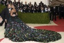 <p>De Beyoncé à Lady Gaga, en passant par Taylor Swift et Bradley Cooper, le gala du Metropolitan Museum de New York, tenu sous le signe de La mode à l'époque de la technologie,a fait le plein de célébrités lundi soir, pour ce qui est devenu la soirée new-yorkaise la plus glamour de l'année.</p>