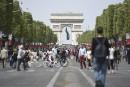 Première journée sans voitures sur les Champs-Élysées