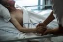 Aide à mourir:le projet de loi C-14 est-il constitutionnel?