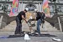 Les ingénieurs de Montréal, en grève, manifestent