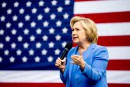 Trump est une menace pour la démocratie, croit Clinton