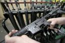 Pétition pour vendre sans restriction l'arme du tueur d'Orlando au Canada