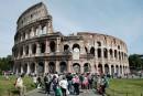 Rome: 25 malaises cardiaques par jour au Colisée, qui installe des défibrillateurs