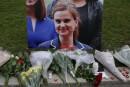 L'Angleterre prend une pause pour honorer Jo Cox