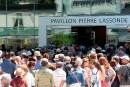 Le pavillon Pierre Lassonde du Musée national des beaux-arts du Québec (MNBAQ) a vécu une ouverture à la hauteur des ambitions de ses créateurs, vendredi, alors qu'une imposante foule de locaux ont pris d'assaut le nouveau bâtiment et la Grande Allée, sous les yeux des premiers ministres Justin Trudeau et Philippe Couillard.
