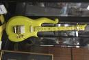 Le propriétaire des Colts a acheté la guitare jaune de Prince