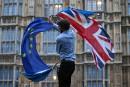 Les Européens accordent un répit à Londres pour entamer le divorce