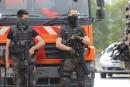 Turquie: le pouvoir intensifie les purges, mais tente de rassurer ses partenaires