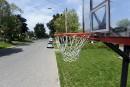 Paniers de basket interdits: des parents font sentir leur grogne