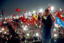 Manifestation géante après le putsch raté à Istanbul