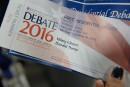 Sur des billets souvenirs du débat, le prénom de Clinton écorché