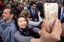 Bains de foule risqués? Trudeau n'a pas l'intention de changer son style