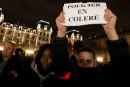 France: les policiers, en colère, manifestent