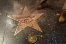 L'étoile de Trump à Hollywood détruite à coups de marteau