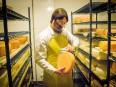 Les fromagers de la relève: la rigueur du biologiste