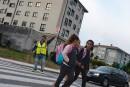 Espagne: des enfants heureux d'aller seuls à l'école