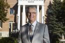 Accusé d'agression sexuelle, l'ex-maire Deguire a un «profond remords»